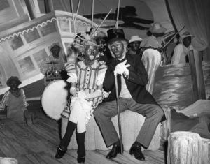 """""""Holiday Inn""""Marjorie Reynolds, Bing Crosby1942 - Image 9353_0006"""