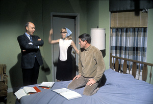 """I Dream of Jeannie""Barbara Eden, Larry Hagman1966 © 1978 Gene Trindl - Image 9375_0064"