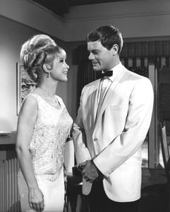 """I Dream of Jeannie""Barbara Eden, Larry Hagman1965**I.V. - Image 9375_0084"