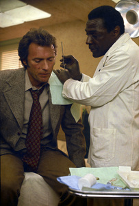 """Dirty Harry""Clint Eastwood1971 Warner Brothers** I.V. - Image 9444_0026"
