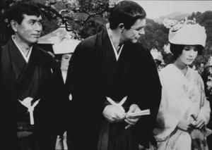 """You Only Live Twice,""Tetsuro Tamba, Sean Connery, Mie Hama1967 UA / MPTV - Image 9454_0013"