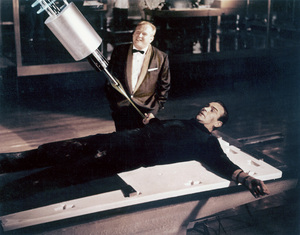 """""""Goldfinger""""Gert Frobe, Sean Connery 1964 UA - Image 9455_0001"""
