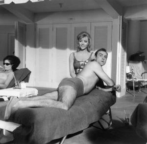 """Goldfinger"" Sean Connery, Margaret Nolan1964 UA **I.V. - Image 9455_0050"