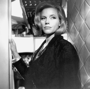 """Goldfinger"" Honor Blackman1964 UA **I.V. - Image 9455_0055"