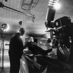 """Goldfinger"" Gert Frobe, Sean Connery 1964 ** I.V. - Image 9455_0087"
