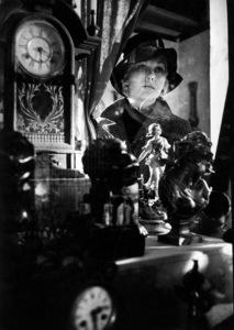 """The Notorious Landlady""Kim Novak in antique shop1961 © 1978 Bob Willoughby - Image 9459_0050"