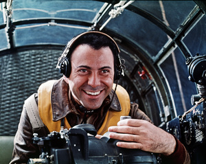 """Catch-22""Alan Arkin1970 Paramount Pictures** I.V. - Image 9488_0036"