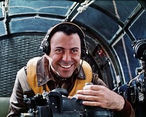 """Catch-22""Alan Arkin1970 Paramount Pictures** I.V. - Image 9488_0036"