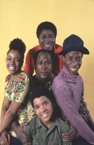 """Good Times""BernNadette Stanis, John Amos, Esther Rolle, Jimmie Walker, Ralph Carter  1974© 1978 Gene Trindl - Image 9495_0003"