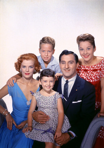 """The Danny Thomas Show""Marjorie Lord, Rusty Hamer, Angela Cartwright, Danny Thomas, Sherry Jackson1957 © 1978 Gene Howard - Image 9502_0006"
