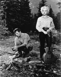 """River Of No Return""Robert Mitchum, Marilyn Monroe1954 / 20th Century Fox**R.C. - Image 9550_0003"