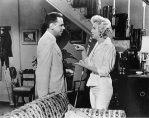 """Seven Year Itch, The""Tom Ewell, Marilyn Monroe1955 / 20th Century Fox**R.C. - Image 9554_0016"