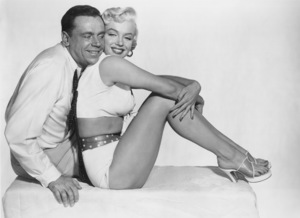 """""""Seven Year Itch, The""""Tom Ewell, Marilyn Monroe1955 / 20th Century FoxPhoto by Frank Powolny - Image 9554_0038"""