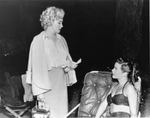 """Niagara""Marilyn Monroe, Jean Peters1953 / 20th Century Fox**R.C. - Image 9558_0008"