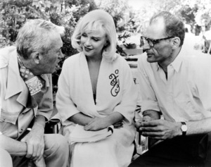 """Misfits, The""Dir. John Huston, Marilyn Monroe andArthur Miller on the set. 1961 / UA**R.C. - Image 9559_0019"
