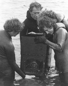"""""""Jaws""""Steven Speilberg and crew1974 Universal**I.V. - Image 9575_0035"""