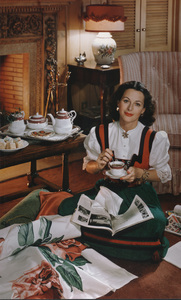 Hedy Lamarr posing for a Lipton Tea advertisement, circa 1949. © 1978 Paul HesseMPTV - Image 958_100