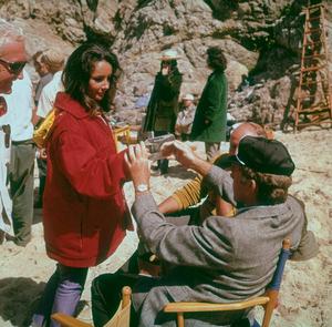 """Sandpiper""Elizabeth Taylor and Richard Burton on location1965 © 1978 Bernie AbramsonMPTV - Image 9620_0006"