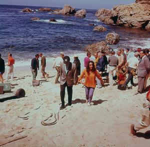 """Sandpiper""Elizabeth Taylor and Richard Burton on location1965 © 1978 Bernie AbramsonMPTV - Image 9620_0007"