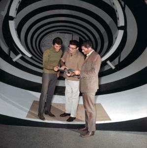 """""""The Time Tunnel""""James Darren Irwin Allen,  Robert Colbertc. 1966 / ** I.A. © Irwin Allen Properties, LLC and Twentieth Century Fox Film Corporation. All rights reserved - Image 9631_0053"""