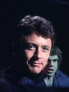 """""""The Incredible Hulk""""Bill Bixby and Lou Ferrigno © 1978 CBSPhoto by Bud Gray - Image 9632_0003"""