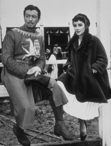 """Ivanhoe""Elizabeth Taylor, Robert Taylor1952 MGM**R.C.MPTV - Image 9647_0003"