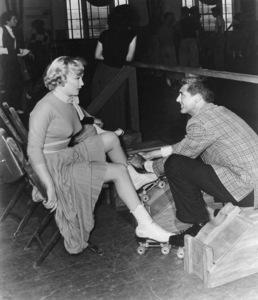"""Monkey Business"" Marilyn Monroe, Cary Grant 1952 20th Century Fox ** R.C. - Image 9666_0009"