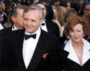 """Academy Awards: 65th Annual""Anthony Hopkins with wife Jenni1993 © 1993 AMPAS/LPI - Image 9677_0020"