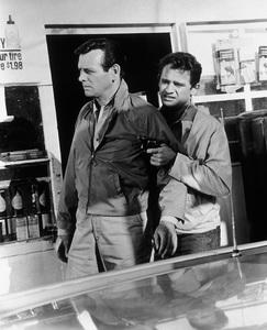 """The Fugitive""David Janssen, Lou Antonio1965 - Image 9699_0020"