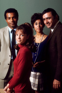 """Room 222""Lloyd Haynes, Karen Valentine,Denise Nicholas, Michael Constantine1970 ABC © 1978 Gene TrindlMPTV - Image 9732_0006"