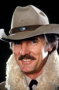 """McCloud""Dennis Weaver1973 NBC © 1978 Gene TrindlMPTV - Image 9776_0005"
