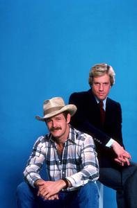 """Simon & Simon""Jameson Parker, Gerald McRaney1981 CBS © 1981 Gene TrindlMPTV - Image 9827_0013"