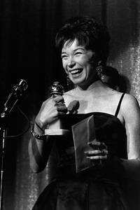 """Golden Globe Awards""Shirley Maclaine1963 © 1978 Bud Gray - Image 9945_0003"