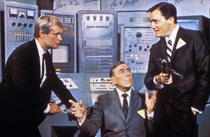"""""""Man from U.N.C.L.E.""""David McCallum, Leo G., Carroll, Robert VaughnC. 1966 - Image 9948_0009"""