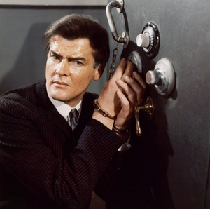 "Roger Moore in ""The Saint""1968 - Image 9949_0001"